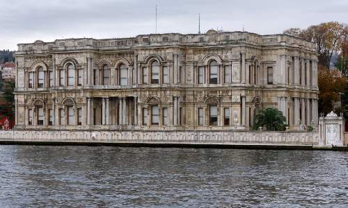 https://gezgince.com/Makale/34/444/7/4/5bcf1851b22b57257e7a66f66551d2efa08dee98/social/316__istanbul-beylerbeyi-palace-img-7663-1805.jpeg