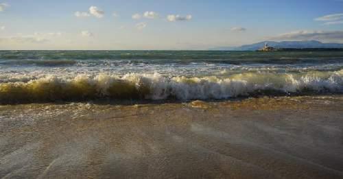 https://gezgince.com/Makale/9/120/7/10/21e6b6fd248d539baaa3ef18e32e0af6ff46dcf1/social/green-beach-scaled.jpeg